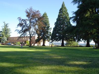Mt._Angel_Abbey_campus_lawn